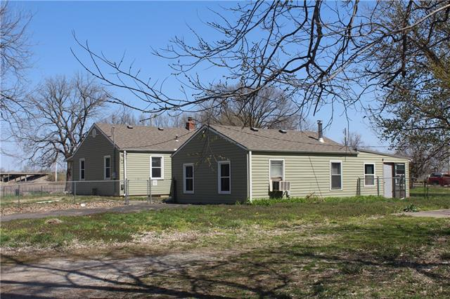 1621 NW Lyman Road Property Photo - Topeka, KS real estate listing