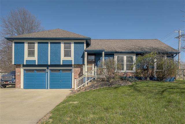 6629 Long Avenue Property Photo - Shawnee, KS real estate listing