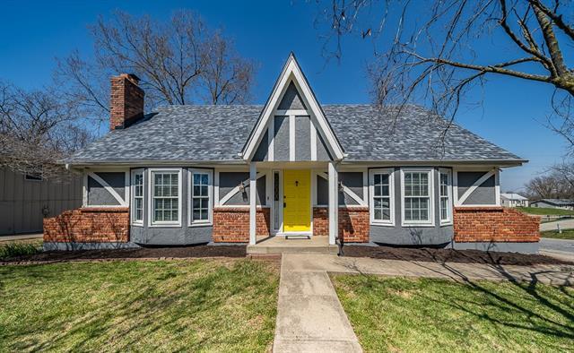 3308 NE 71st Terrace Property Photo - Gladstone, MO real estate listing