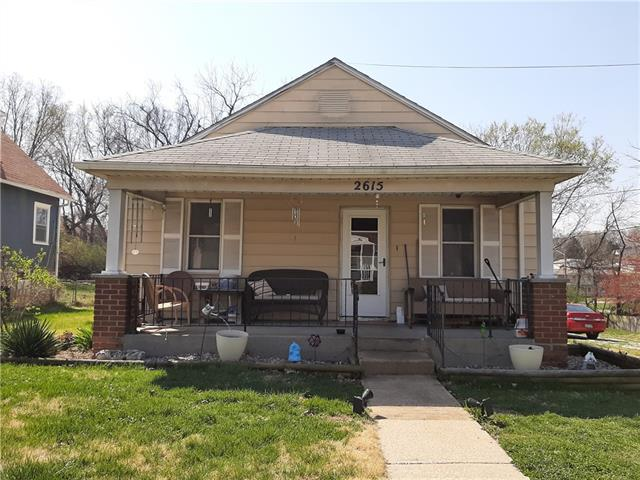 2615 W 40th Avenue Property Photo - Kansas City, KS real estate listing