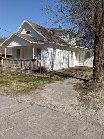4710 E 16th Street Property Photo - Kansas City, MO real estate listing