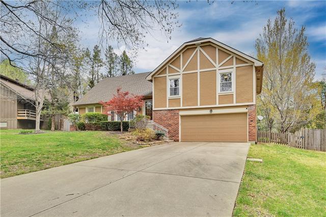 8809 Juniper Street Property Photo - Prairie Village, KS real estate listing