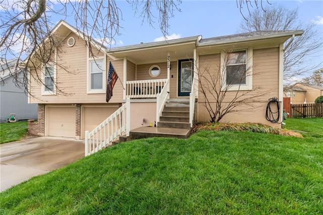 2312 SE 6TH Street Property Photo - Lee's Summit, MO real estate listing