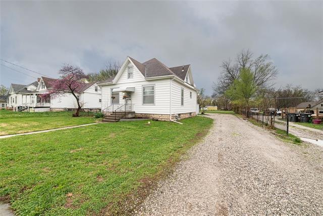 414 E 4th Street Property Photo - Wellsville, KS real estate listing