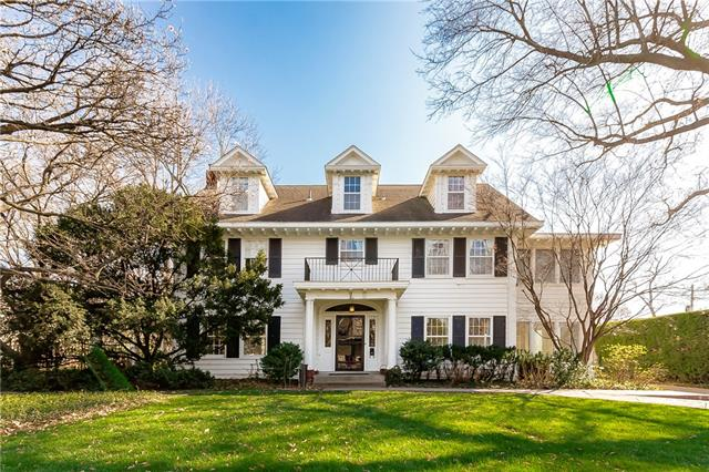 1221 Stratford Road Property Photo - Kansas City, MO real estate listing