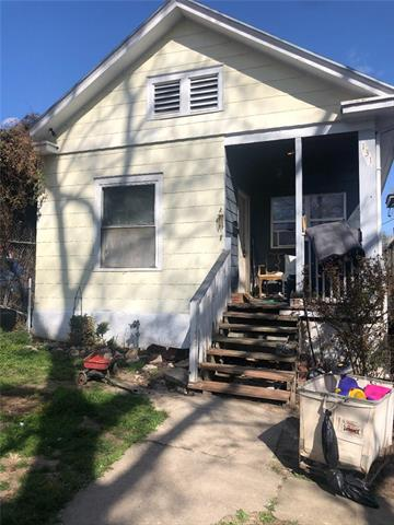 131 N Lawndale Avenue Property Photo 2