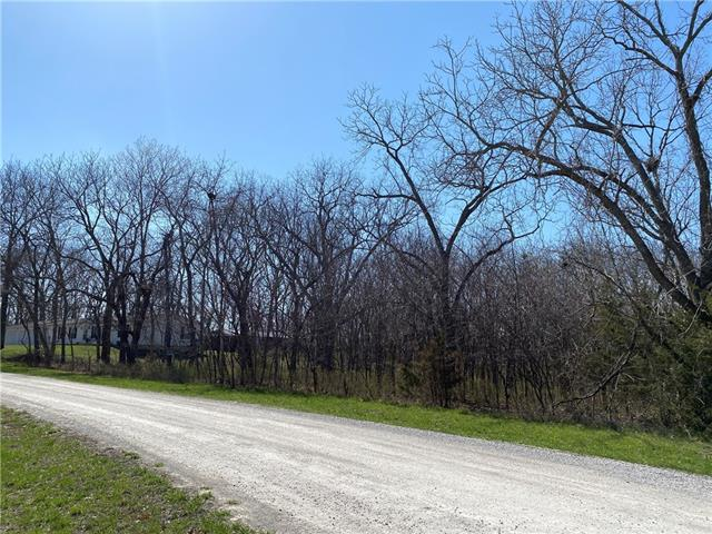 93 Enchanted Lane Property Photo - Linn Valley, KS real estate listing