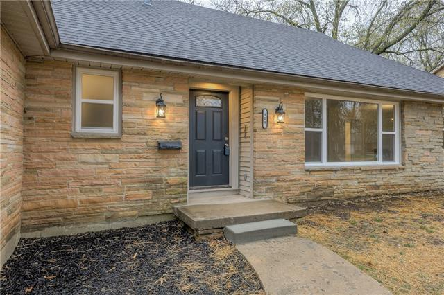 909 E 83rd Street Property Photo - Kansas City, MO real estate listing
