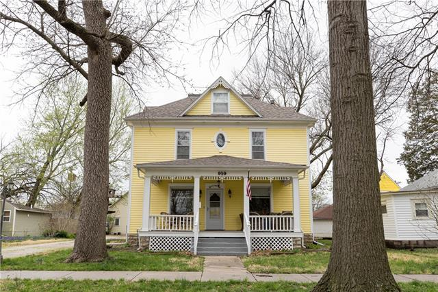 910 S Hickory Street Property Photo - Ottawa, KS real estate listing
