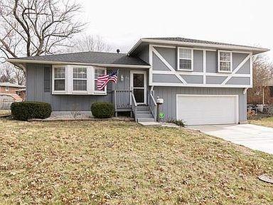 915 RIDGE Drive Property Photo - Belton, MO real estate listing