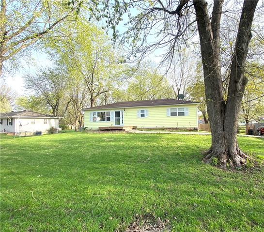 122 Santa Fe Avenue Property Photo - Lawson, MO real estate listing