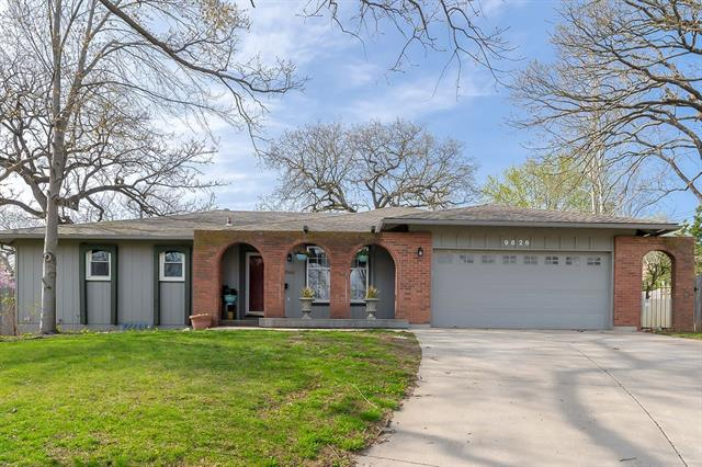 9826 Shepherds Circle Property Photo - Kansas City, MO real estate listing
