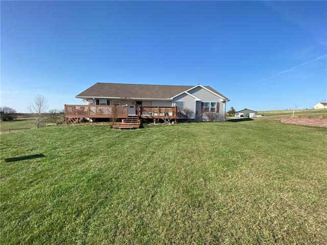 30561 Evening View Drive Property Photo - Maryville, MO real estate listing