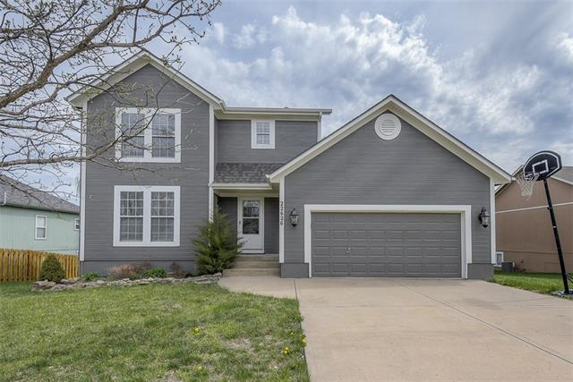 22626 Washington Street Property Photo