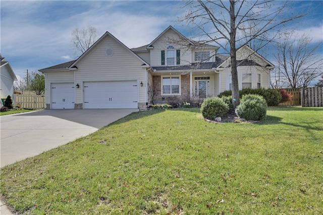 9426 Swarner Drive Property Photo - Lenexa, KS real estate listing