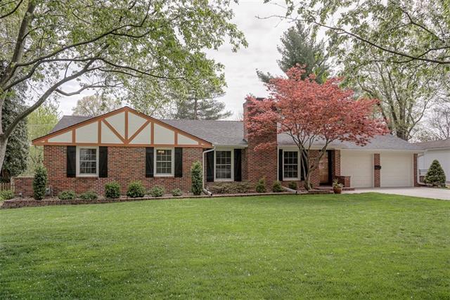 2315 W 96th Street Property Photo - Leawood, KS real estate listing