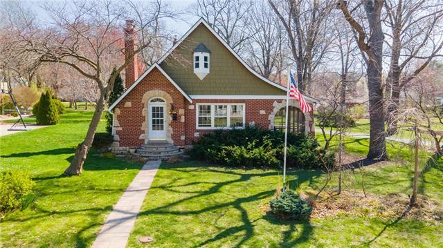 6023 Hadley Street Property Photo - Merriam, KS real estate listing