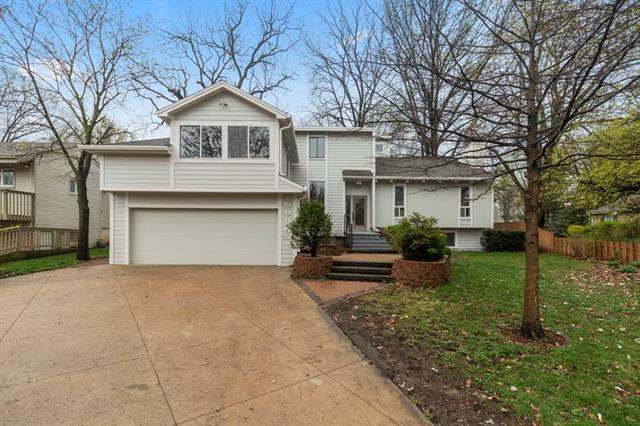 6005 W 68th Street Property Photo - Overland Park, KS real estate listing