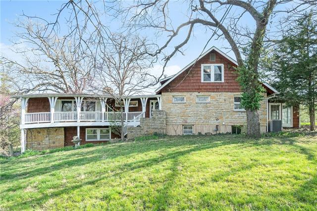 2815 W Dennis Avenue Property Photo - Olathe, KS real estate listing