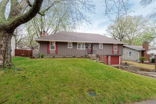 9420 Connell Drive Property Photo - Overland Park, KS real estate listing