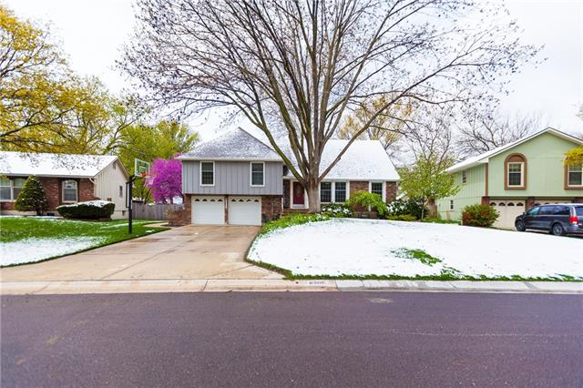 6200 Albervan Street Property Photo - Shawnee, KS real estate listing