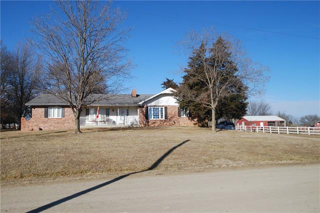 305 E Warren Street Property Photo - Oskaloosa, KS real estate listing