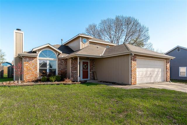 3028 W 30th Court Property Photo - Lawrence, KS real estate listing