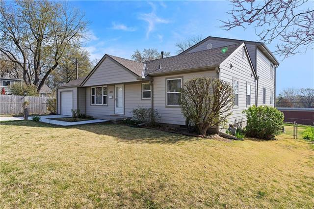 6143 Cedar Street Property Photo - Mission, KS real estate listing