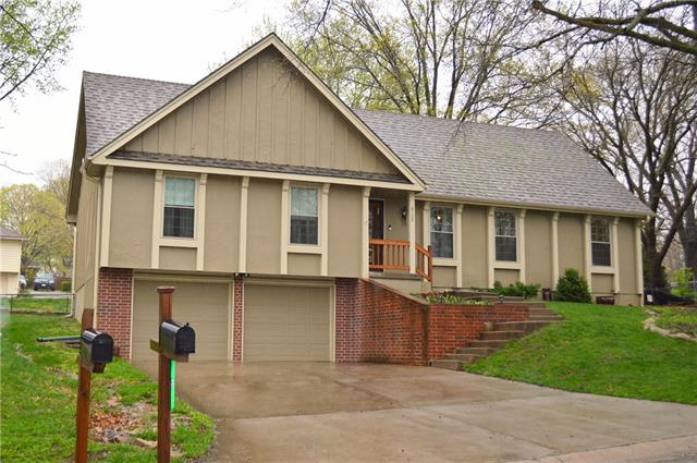 6705 NW Mirror Lake Terrace Property Photo - Parkville, MO real estate listing
