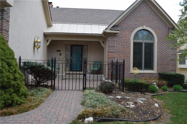 6305 W 92 Street Property Photo - Overland Park, KS real estate listing