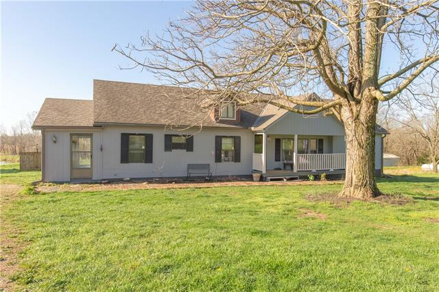 1118 NW 700 Road Property Photo - Holden, MO real estate listing