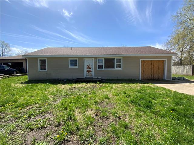229 E Oak Street Property Photo - Trimble, MO real estate listing
