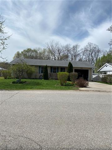 802 N Ninth Street Property Photo - Wathena, KS real estate listing