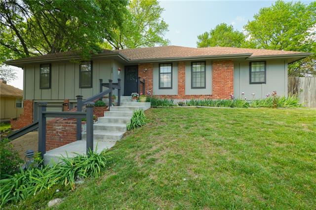220 NW 53rd Terrace Property Photo - Gladstone, MO real estate listing