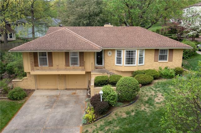 10749 W Bridlespur Terrace Property Photo - Kansas City, MO real estate listing