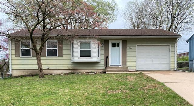 17805 Aqueduct Drive Property Photo - Independence, MO real estate listing