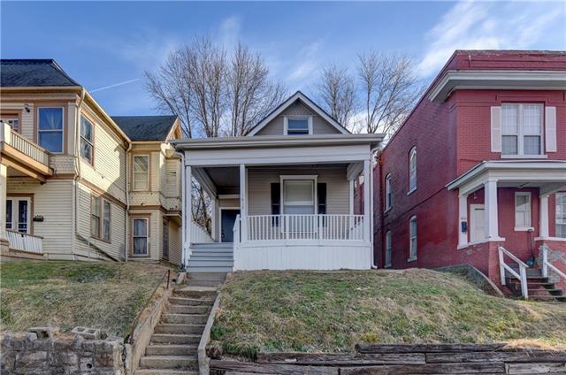 1612 Buchanan Avenue Property Photo 1