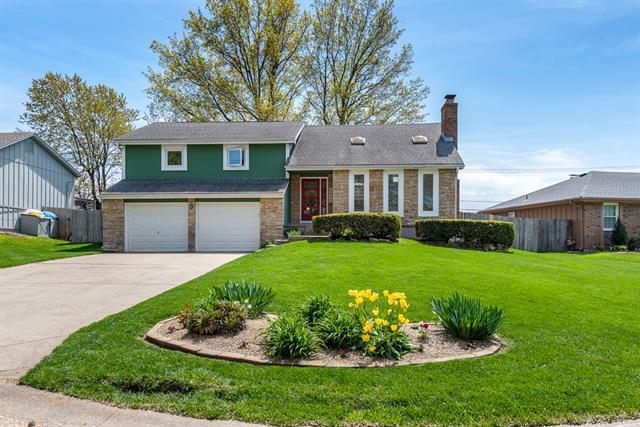 6646 Parkhill Drive Property Photo - Shawnee, KS real estate listing