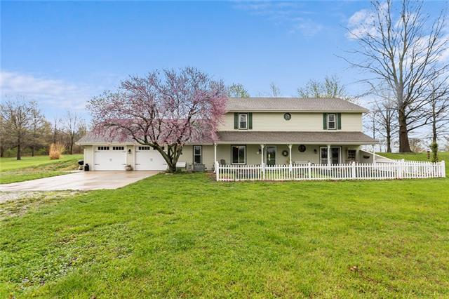 9320 S Campbell Road Property Photo - Oak Grove, MO real estate listing