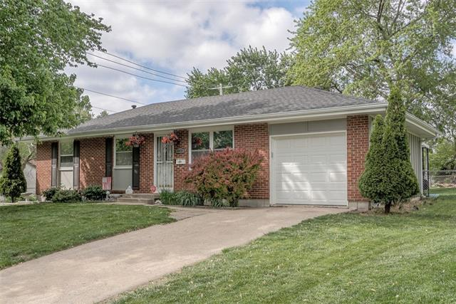 16421 E Ellison Way Property Photo - Independence, MO real estate listing
