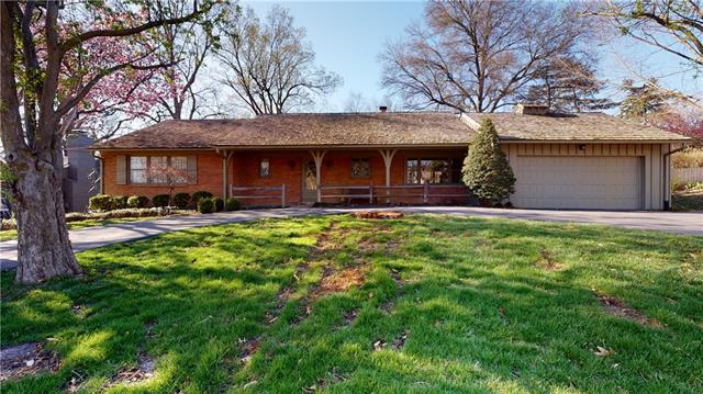 5643 Mission Road Property Photo - Fairway, KS real estate listing
