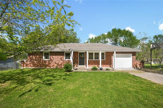 110 Ridgeway Drive Property Photo - Wood Heights, MO real estate listing