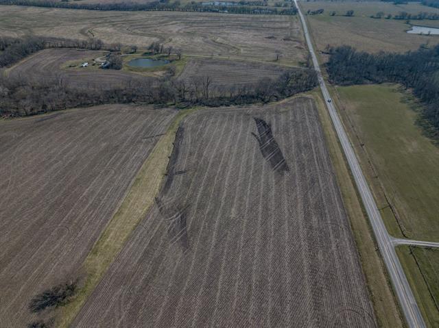 1149 Se W-hwy Highway Property Photo 2