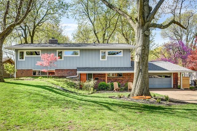 5207 W 79th Terrace Property Photo - Prairie Village, KS real estate listing