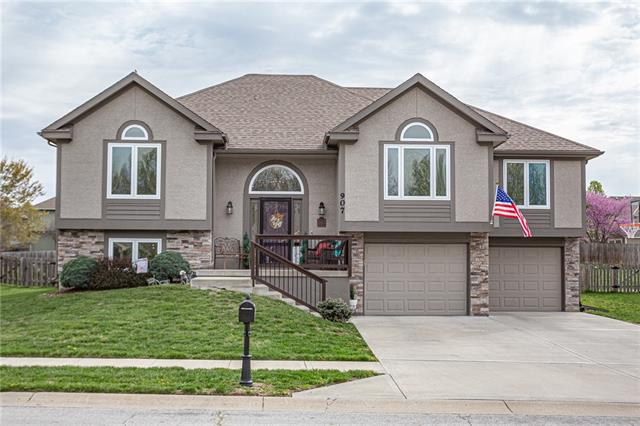 907 Chisam Road Property Photo - Kearney, MO real estate listing