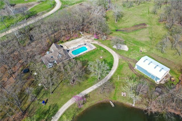 23740 Honey Creek Road Property Photo - Tonganoxie, KS real estate listing