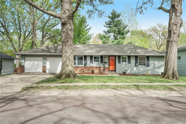 7205 Hedges Avenue Property Photo - Raytown, MO real estate listing