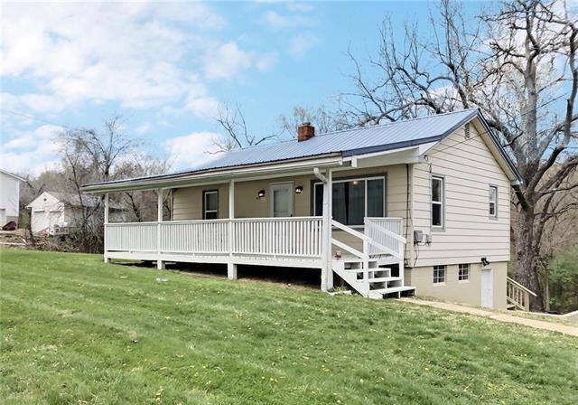 6132 OAK GROVE Road Property Photo - Kansas City, KS real estate listing