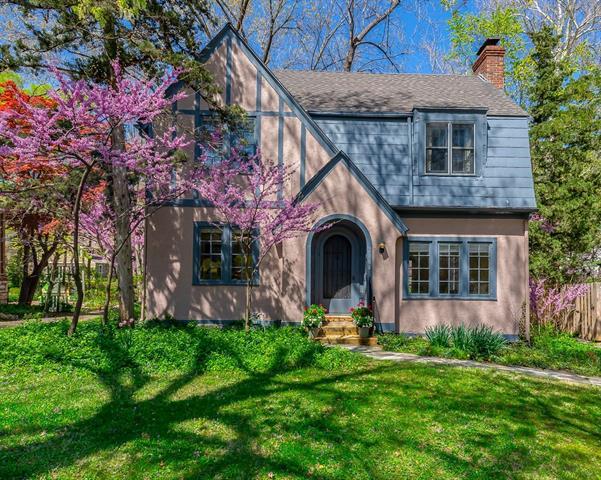2104 W 49th Terrace Property Photo - Westwood Hills, KS real estate listing