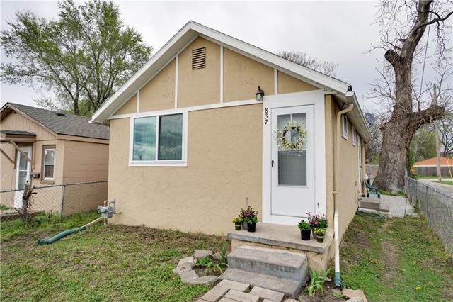 837 S 14th Street Property Photo - Kansas City, KS real estate listing